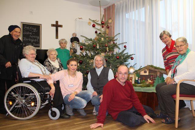 Liebe Grüße von den Bewohnern und Mitarbeitern der Senioren-WG im Haus Maria